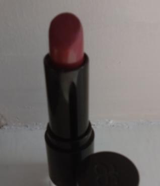 flora lipstick